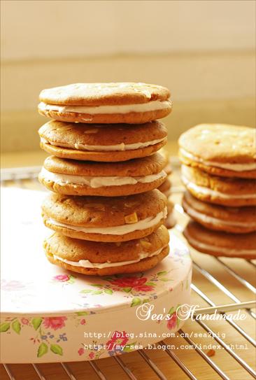 枫糖草莓芝士夹心饼干。暑热难耐的盛夏~